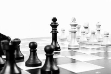 chess 316657 1280 370x247 - Como manter sua empresa competitiva
